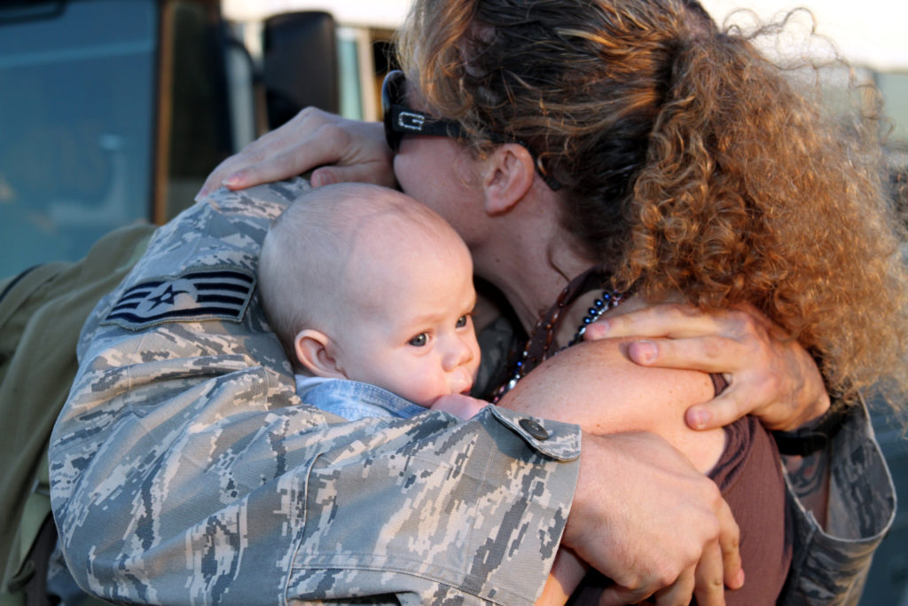 Barbara Bell Photography near Chapel Hill captures military families awaiting their soldiers' homecomings.